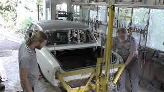 ГАЗ 24 -10.  Снимаю машину со стапеля переворачивателя