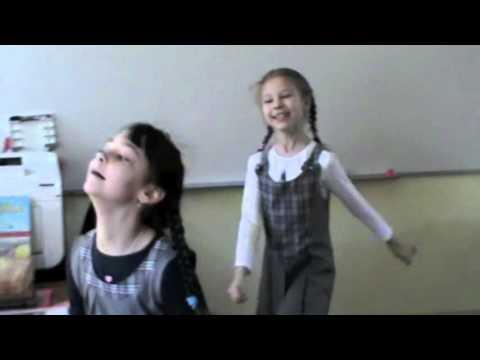 Докучная сказка в исполнении Тани и Лизы