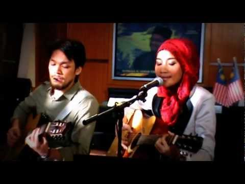 Yuna cover to Nirvana's live @ HOT TV 2 2012- Come As You Are