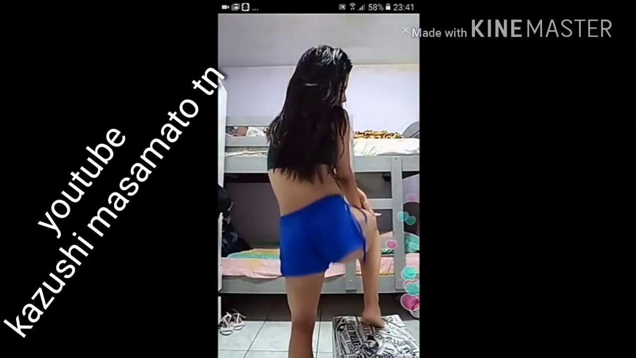 Dancing cam girl
