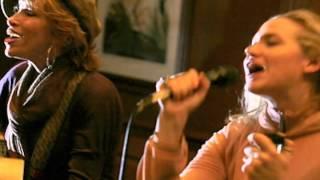 Rare Audio! Sally Taylor w/mom Carly Simon LIVE