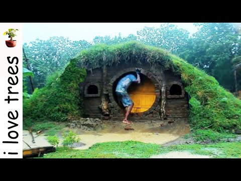 Hobbit house I primitive I Recycle material