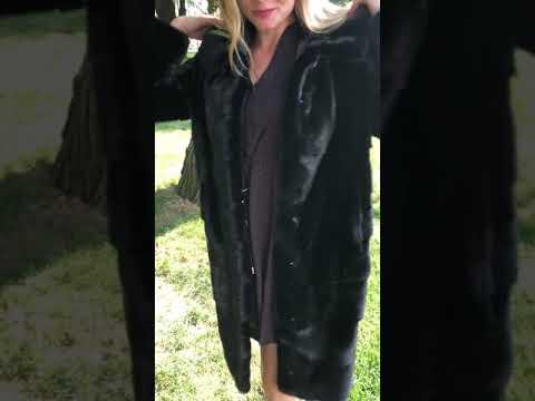 Норковая шуба поперечка с капюшоном, черная, 100 см