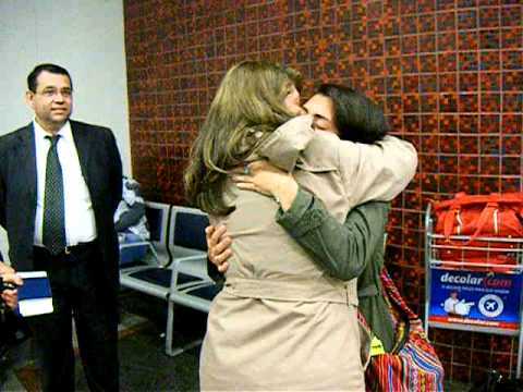 Despedida no aeroporto de Esther - YouTube