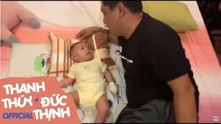Đức Thịnh dạy con trai 2 tháng tuổi chọn bạn gái