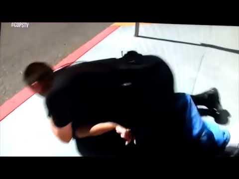 Polícia nos USA tem o respeito de todos e bandido é tratado como bandido!