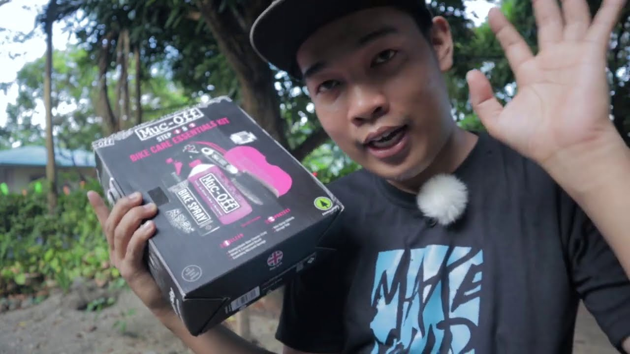 Muc-Off Bike Care Essentials Kit Test Clean - Aluminum and Carbon Frame