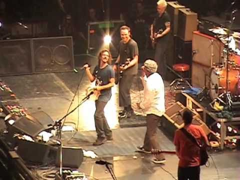 Pearl Jam and Robert Pollard - Baba O'Riley (live)