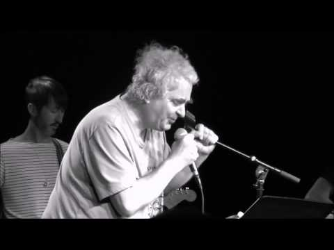 Daniel Johnston - Casper the Friendly Ghost (live at Paper Tiger, San Antonio) 08/20/2015
