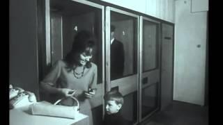 1965: pirmasis video telefonas Vilnius - Kaunas(1965-aisiais metais pradėjo veikti pirmasis video telefonas, vaizdo ir garso ryšiu sujungęs Vilniaus Vytenio gatvėje esantį paštą su Kauno paštu. Televizijos ..., 2015-08-09T16:25:49.000Z)