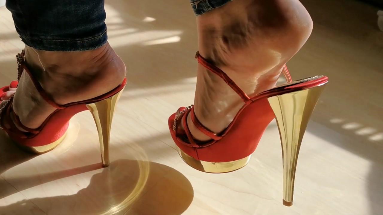 Red'n gold high heel feet