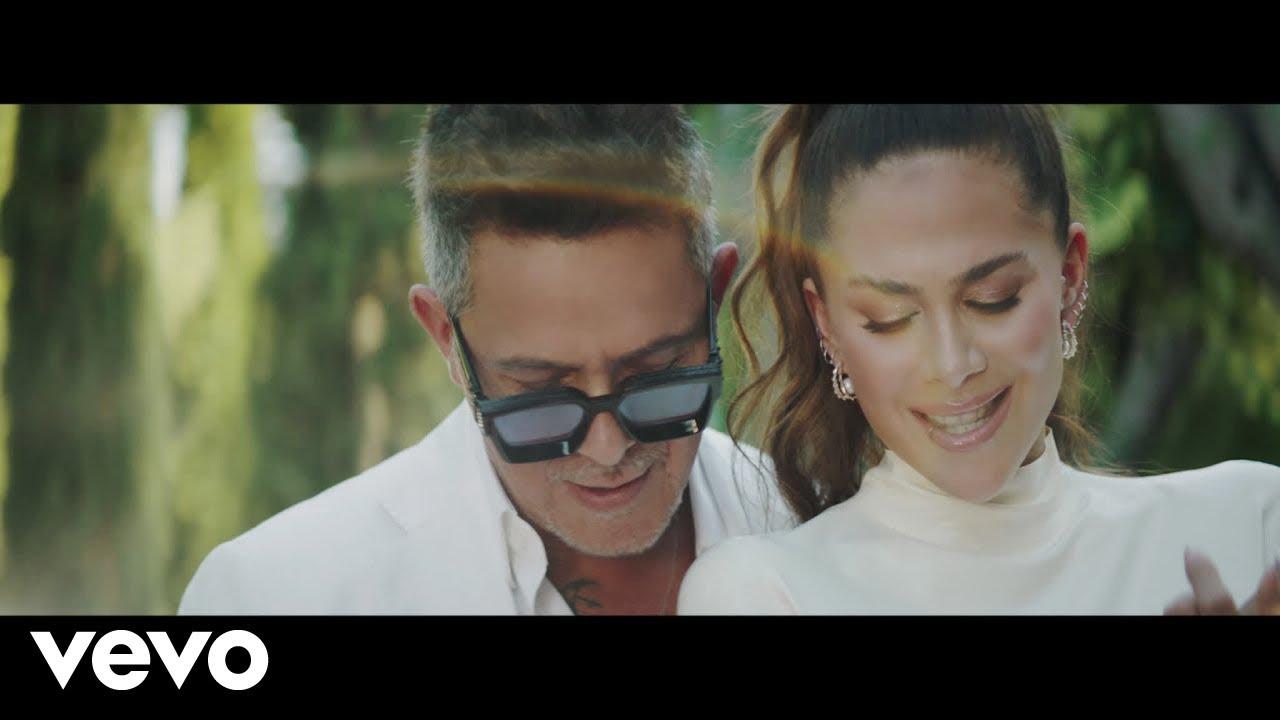 Download Greeicy, Alejandro Sanz - Lejos Conmigo (Video Oficial)