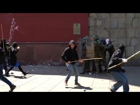 اشتباكات عنيفة بين مجموعة مابوتشي والشرطة في تشيلي في يوم كولومبوس…  - نشر قبل 30 دقيقة