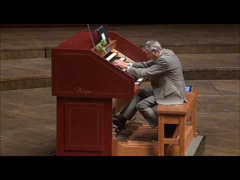 TOCATTA & FUGUE in D MINOR - Maestro Hector Olivera