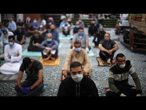 فيروس كورونا: المساجد تعيد فتح أبوابها بعدة بلدان عربية وإسلامية مع تشديد إجراءات الوقاية