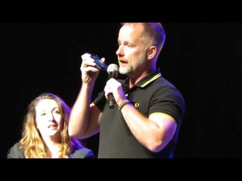 Billy Boyd calls Dominic Monaghan at Salt Lake Comic Con 9116
