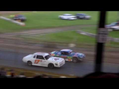 Stock Car Bmain 1 @ Upper Iowa Speedway 05/29/16