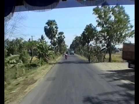 Indonesia 2004 - Makassar to Rantepao 2 (0070)