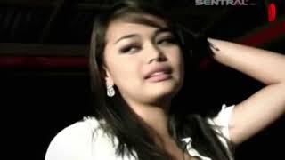 Gambar cover Ovhi Firsty Semakin Sayang Semakin Kejam [Official Music Video]