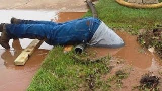 Viral Plumber Who Dove Into Sewer to Fix Pipe Gets Free Jeans For a Year thumbnail