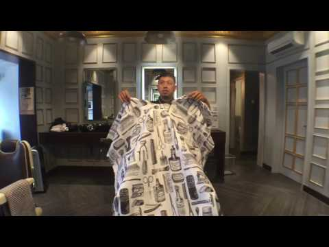 Nick TheBarbership BarberVlog - Review Betty Dain Barber Cape
