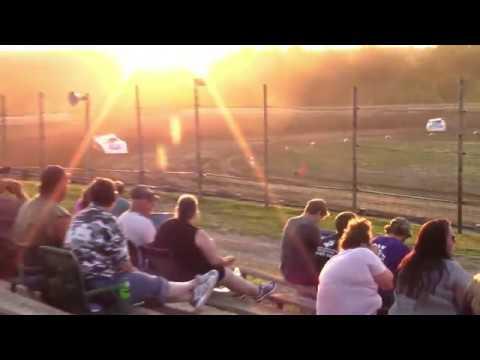 Hummingbird Speedway (7-13-19): BWP Bats Super Late Model Heat Race #2