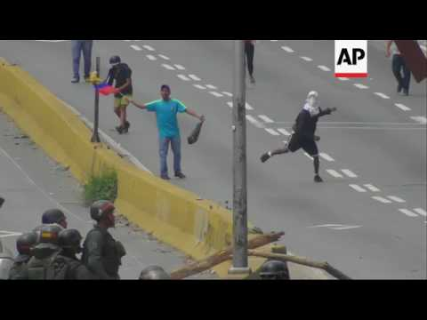 Venezuela opposition clashes with security forces