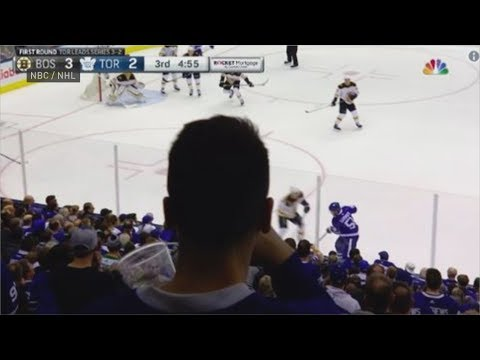 Leafs fan's head blocks closing minutes of Game 6