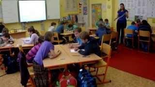 Poznávání vlastností útvarů - trojúhelníky (4. ročník)