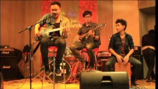 Maroon 5 - She will be loved live cover acoustic Kevin samuel, Al Farisi  & Putra )