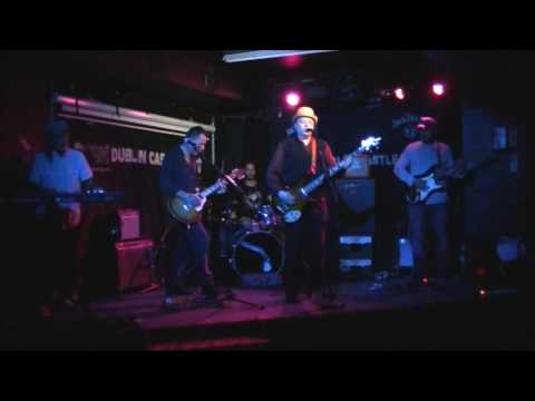 Strum Live at The Dublin Caslte 19 08 2016