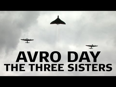 Vulcan and 2 Lancasters in Formation #Avro3Sisters