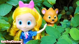 vuclip DISNEY JUNIOR Goldie & Bear Toys Parody Play Fairytale Land Hide and Go Seek Surprise Adventures