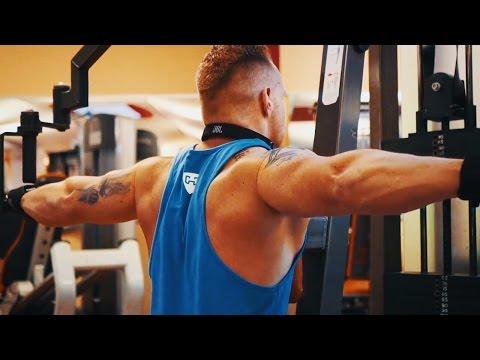 Butterfly Reverse (Technik Tutorial) | Hintere Schulter trainieren | Richtige Ausführung