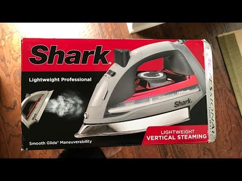 """Shark Steam Iron Red Button-fit tip 1500 Watts 8.5/"""" Soleplate with Holes"""