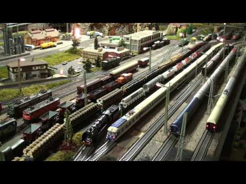 Märklin Modellbahn Marklin Layout: 8 Züge 8 Trains in HD