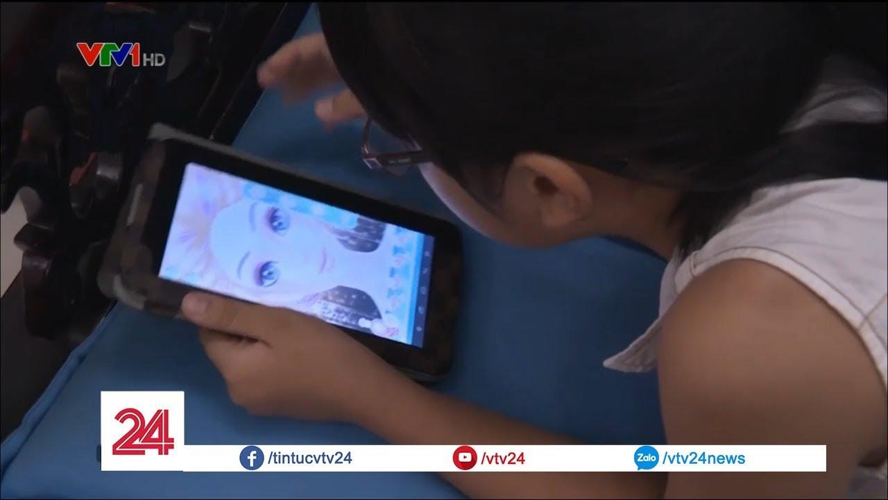 Rối loạn vận động ở trẻ do sử dụng điện thoại thông minh quá nhiều | VTV24