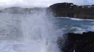 vagues et ressac  à la pointe du petit minou. thumbnail