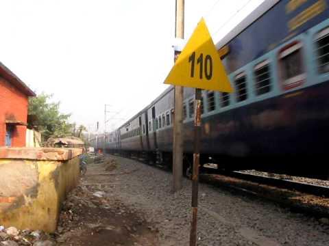 110kmph entry!!!!! Delhi bound 12303 HWH-NDLS Poorva Express enters HB Chord