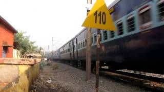 110kmph entry!!!!! Delhi bound 12303 HWH-NDLS Poorva Express enters HB Chord