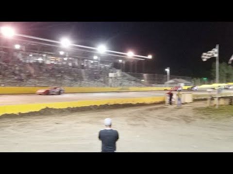 🔴Jeff Crouse Racing Live🔴  Feature win at Viking Speedway.  8/12/17