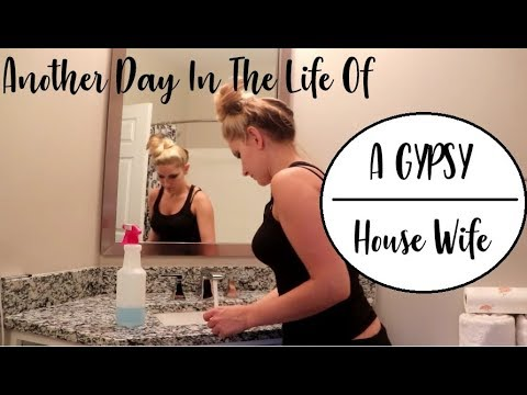 Gypsy House Wife | Cleaning + Cooking
