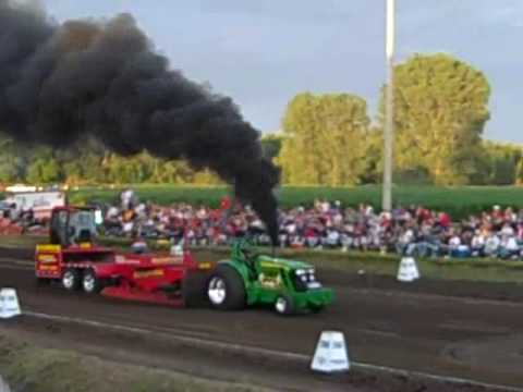 outlaw truck tractor pull hinton ia 2009 youtube. Black Bedroom Furniture Sets. Home Design Ideas