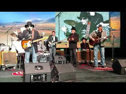 Merle Haggard and Toby Keith - Okie From Muskogee
