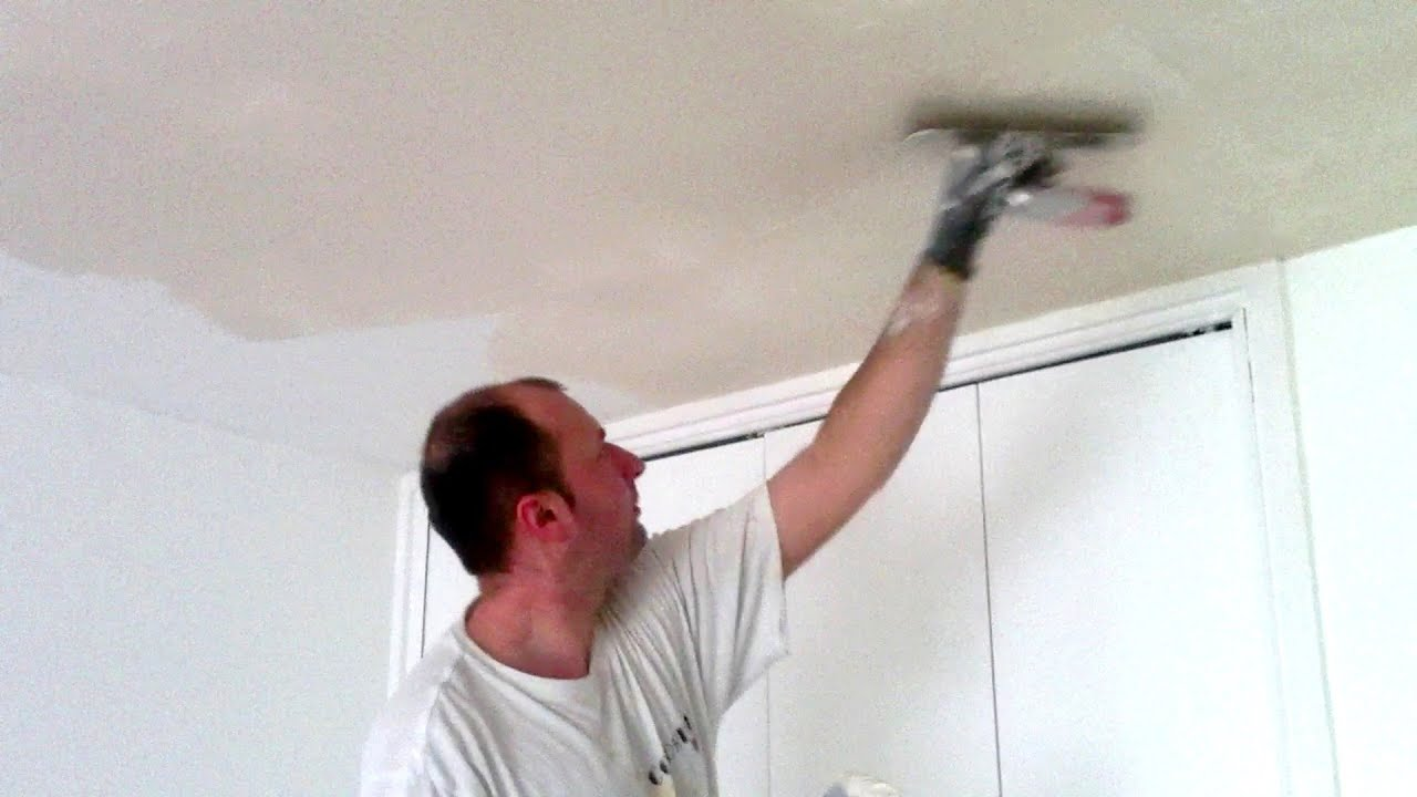 Enduire un plafond youtube for Pistolet peinture mur interieur