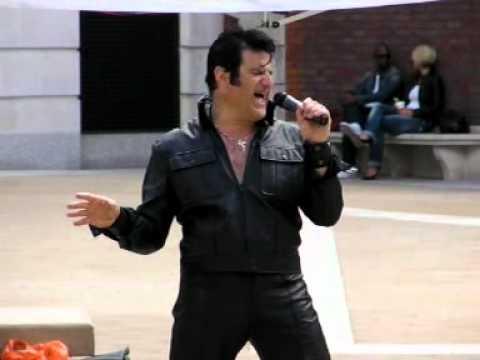 It hurts me - Elvis Shmelvis, live in Paternoster Square 2010