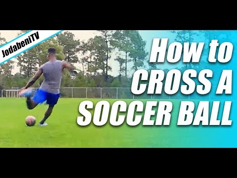 How To Cross A SOCCER BALL  😁😁