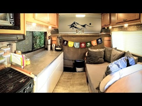 Minimalist Living on 10k/year in an RV, Simple and Uncomplicated Life