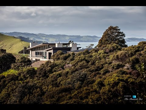 Luxury Residence with 270-Degree Panoramic Views on Waiheke Island in New Zealand
