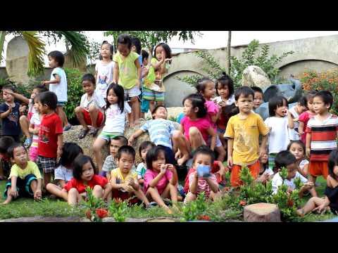 Huynh Tieu Huong - Mot Con Vit - Cac Chau Co Nhi Trung Tam Nhan Dao Que Huong